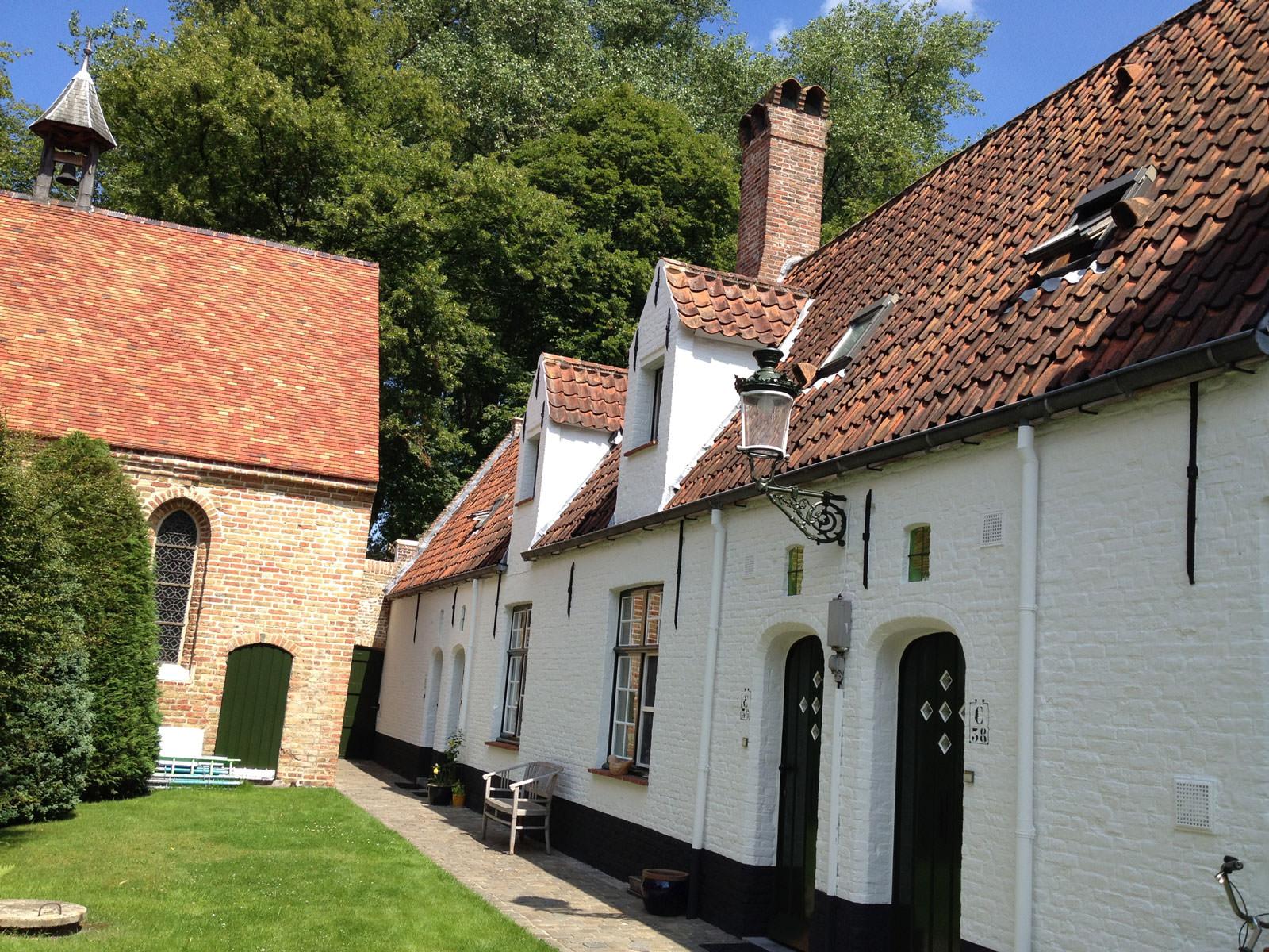 Prinselijk begijnhof Brugge doet beroep op ervaring in gevelrenovatie!