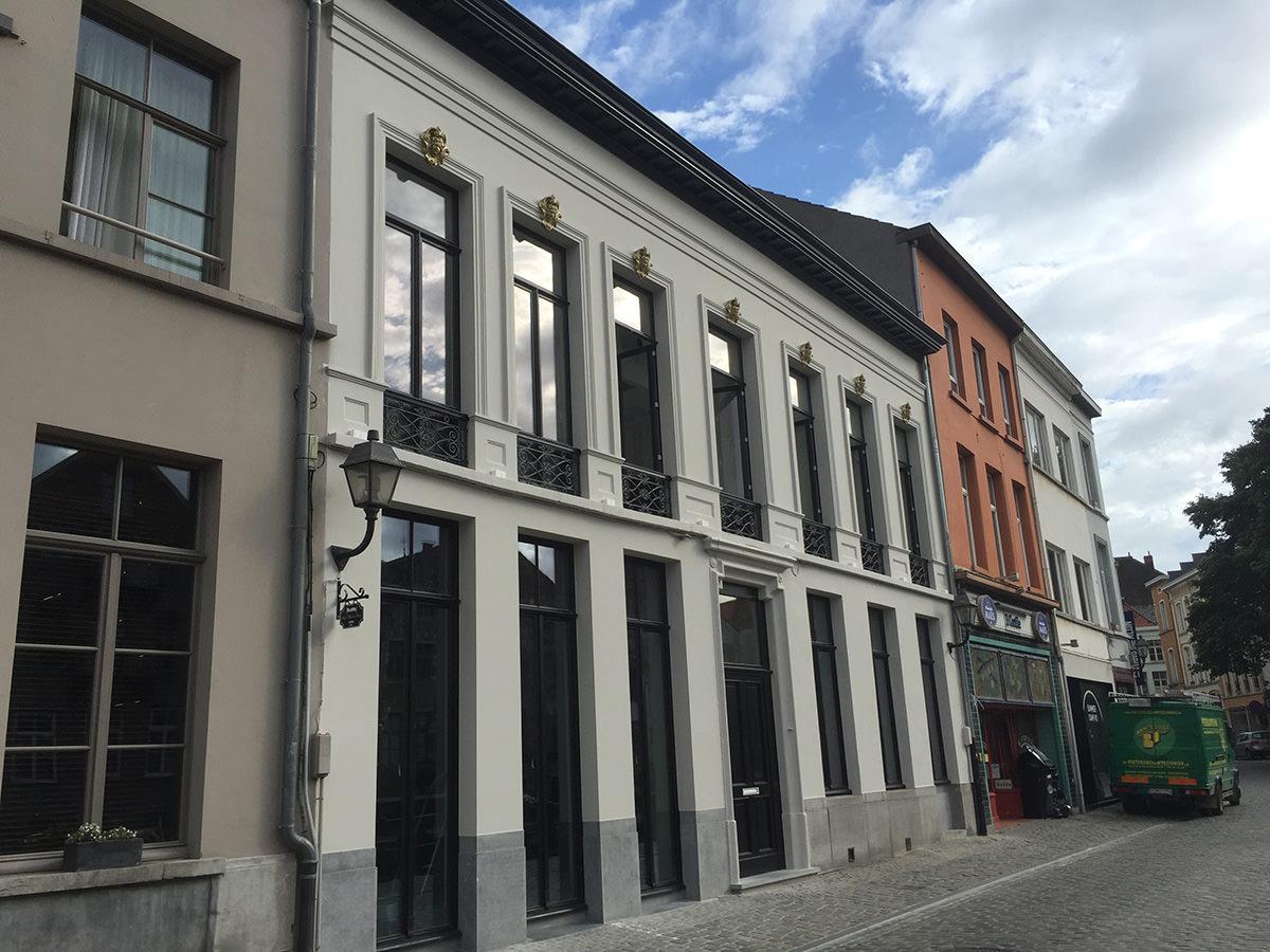 Hotel Harmony – renovatie pleisterwerk en schilderwerken